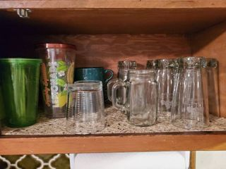 lot of Kitchen Glasses and Mugs