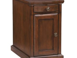 laflorn Chair Side End Table Medium Brown   Signature Design by Ashley   Not Inspected