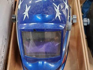 Hobart welding helmet with auto tint