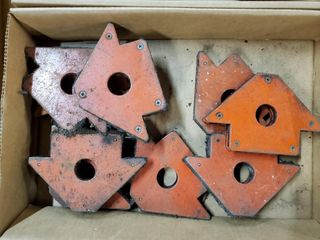 Box of 90 degree metal magnets