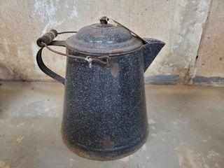 Enamel 2 gallon coffee pot