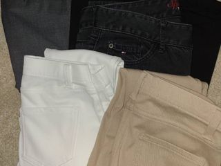 lADIES ClOTHES  5 Pair of Pants  Size small  4