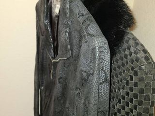 lADIES COATS  lEATHER Size MED and Small