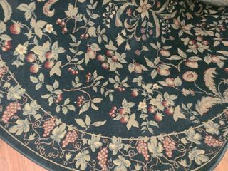 Round Black and Tan Vineyard Style Area Rug 7 ft