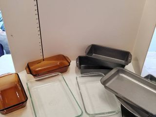 Assorted baking dishes