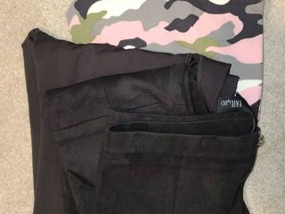 lADIES ClOTHES  3 pair of leggings  Size small