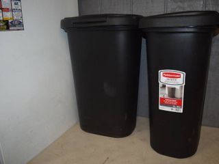 2 Rubbermaid Touch Top Trash Cans 13 Gallon