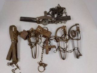 lot of metal animal traps