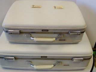 Cream American Tourister Tri Taper luggage