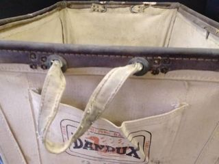 Dandux canvas and metal shipping basket