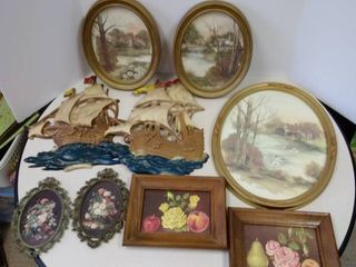 lot of wall hanging decor