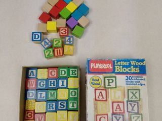 PlAYSCHOOl letter Wood blocks in box
