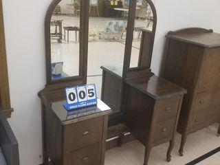 Unique Dresser with 3 Mirrors