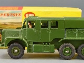 Dinky toy 689