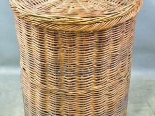 large Round Wicker Hamper with lid