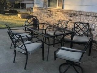 Outdoor table w  6  chairs and cushions