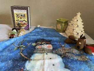 Christmas apron  ceramic Christmas tree  dominos