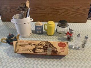 kitchen utensils  elec  knife  s p shakers