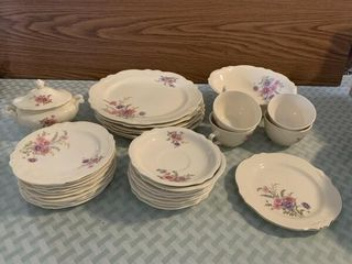 Partial set of Homer laughlin dishes