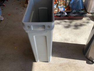 Rubbermaid slim Jim trashcan