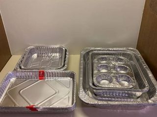 Assorted disposable bakeware