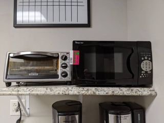 Magic Chef Microwave And Black And Decker Toaster Oven