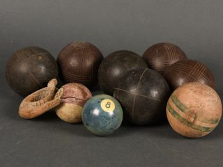GROUPING OF VINTAGE CROQUET   POOl BAllS