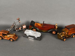 lOT OF MODEl VEHIClES  GlASS CAR   MOTORCYClE