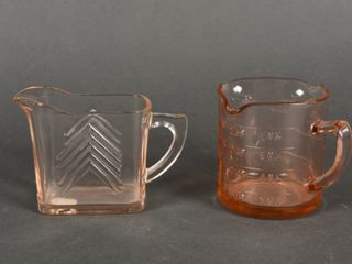 lOT OF 2 PINK DEPRESSION GlASS MEASURE   PITCHER