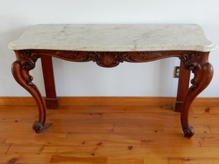 VINTAGE MARBlE TOP TABlE WITH CHERRY lEGS