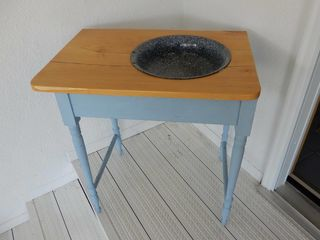 TABlE RESTORED TO DRY SINK