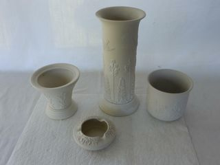 CANADIAN ART POTTERY COllECTIBlES