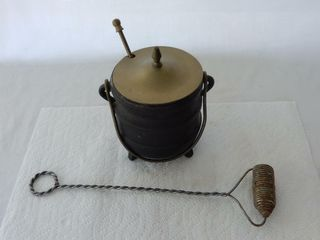 GROUPING OF VINTAGE CAST IRON FIRE STARTER KETTlE