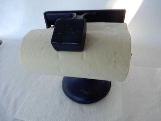 VINTAGE CAST IRON PAPER TOWEl ROllER