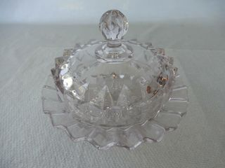 VINTAGE PATTERN GlASS COVERED BUTTER DISH