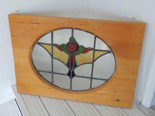 FRAMED STAINED GlASS WINDOW HANGER