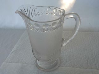 1890 S NUGGET GlASS WATER PITCHER