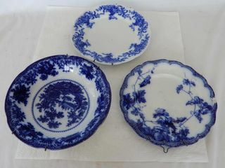 lOT OF 3 FlO BlUE CHINA   BOWl   HANGERS