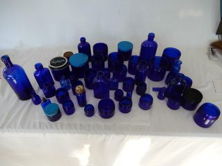 lARGE GROUPING OF COBAlT COllECTIBlES