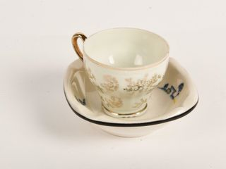 GROUPING OF 2  TEA CUP   ASHTRAY