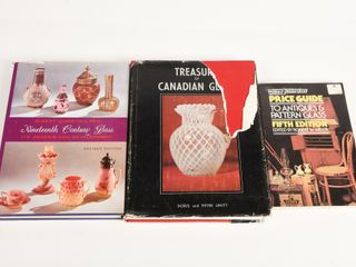 lOT OF 3 GlASS COllECTING BOOKS   2 DUST COVERS