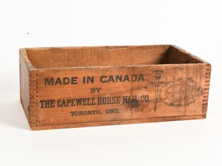 VINTAGE CANADIAN CAPWEll HORSE NAIl CO  WOOD BOX