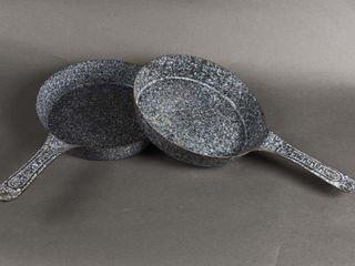 GROUPING OF 2 GRANITEWARE FRYING PANS