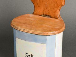 VINTAGE PORCElAIN SAlT BOX