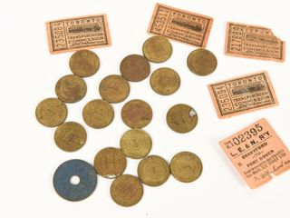 GROUPING OF VINTAGE TOKEN COllECTIBlES