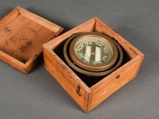 ANTIQUE POlARIS COMPASS IN DOVETAIlED WOODEN BOX