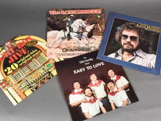 lOT OF 4 VINTAGE RECORDS   COVERS