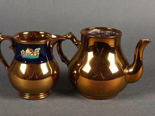 2 VINTAGE GOlD COlORED TEA POT   PITCHER