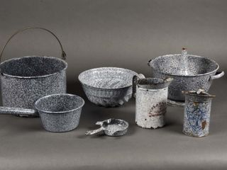 GROUPING OF 8 GRANITEWEAR POTS   POURERS