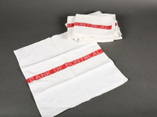 lOT OF 8 BANK OF MONTREAl ClOTH TOWElS   NOS